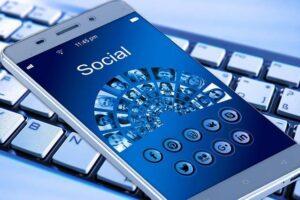 Social Media Effects 2020 | सोशल मीडिया का प्रभाव